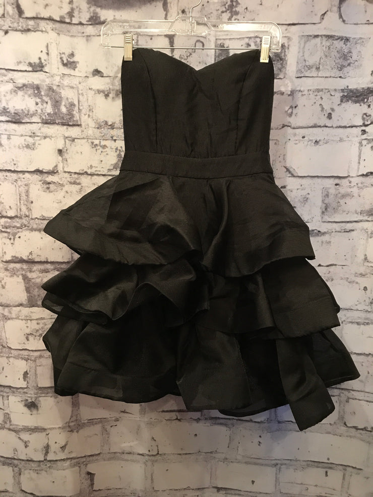 NEW - BLACK POOFY SHORT DRESS