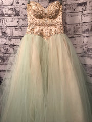 GREEN/IVORY PRINCESS GOWN