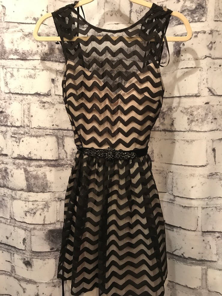 BLACK/TAN SHORT DRESS