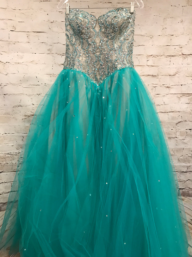 GREEN/TAN PRINCESS GOWN