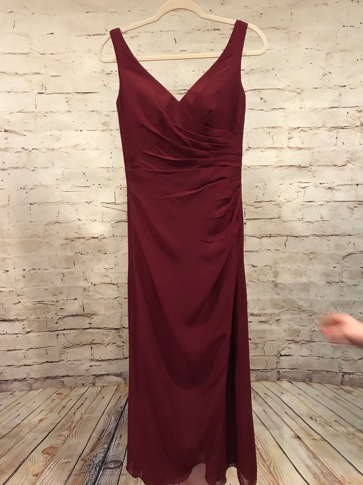 BURGUNDY LONG GOWN * *