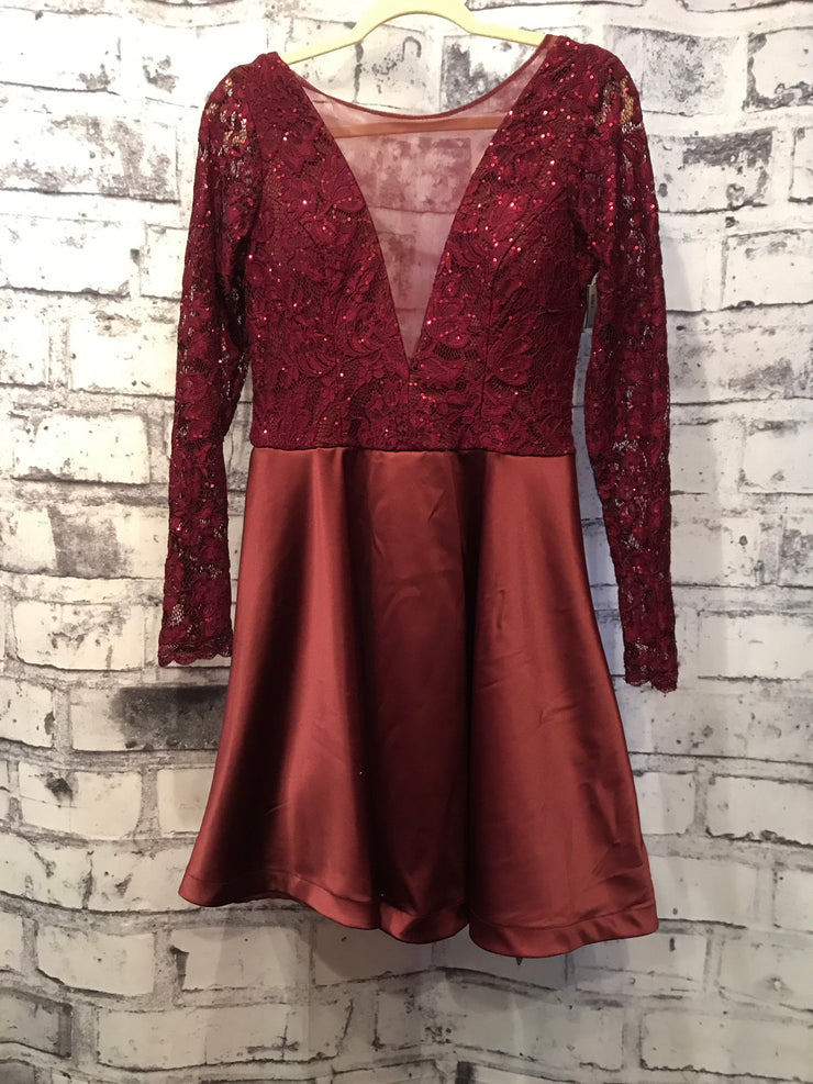 BURGUNDY LONG SLEEVE LACE SHORT DRESS