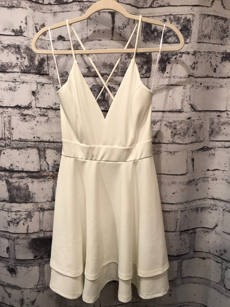 WHITE SHORT DRESS (NEW)