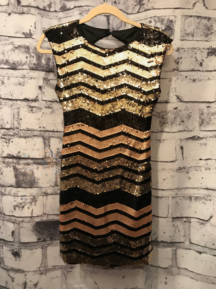 BLACK & GOLD SHORT DRESS