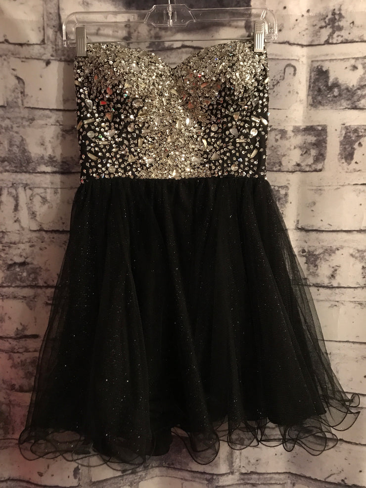 BLACK  SHORT POOFY DRESS