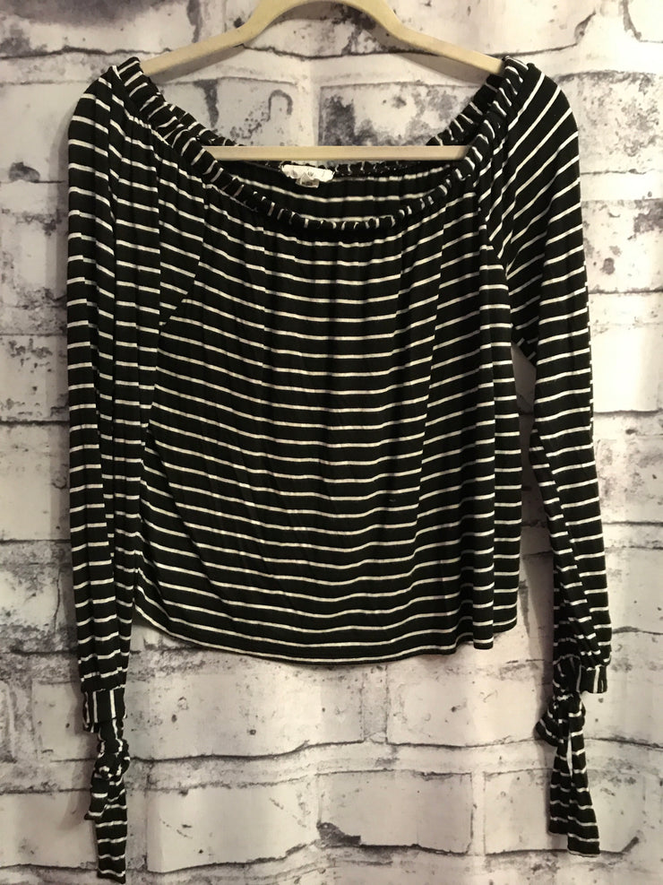 BLACK/WHITE STRIPE LONG SLEEVE