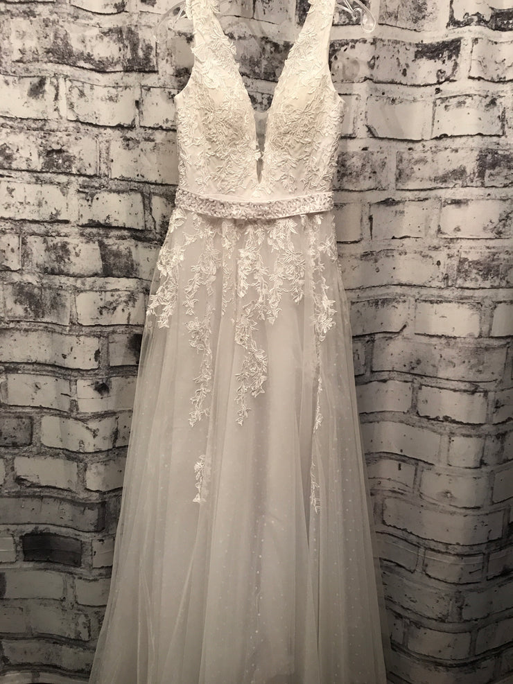 WHITE A LINE PRINCESS GOWN