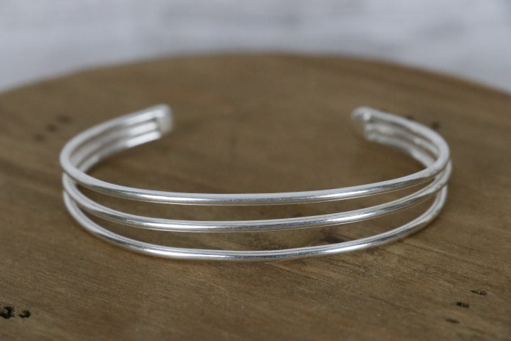Simple Lines Cuff Smooth - Silver