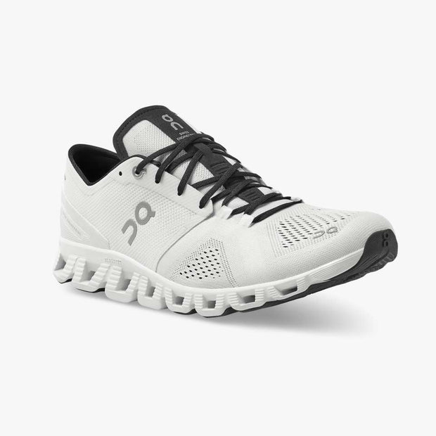 On Cloud X Shoes - White / Black
