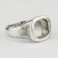 Cavity Signet Ring