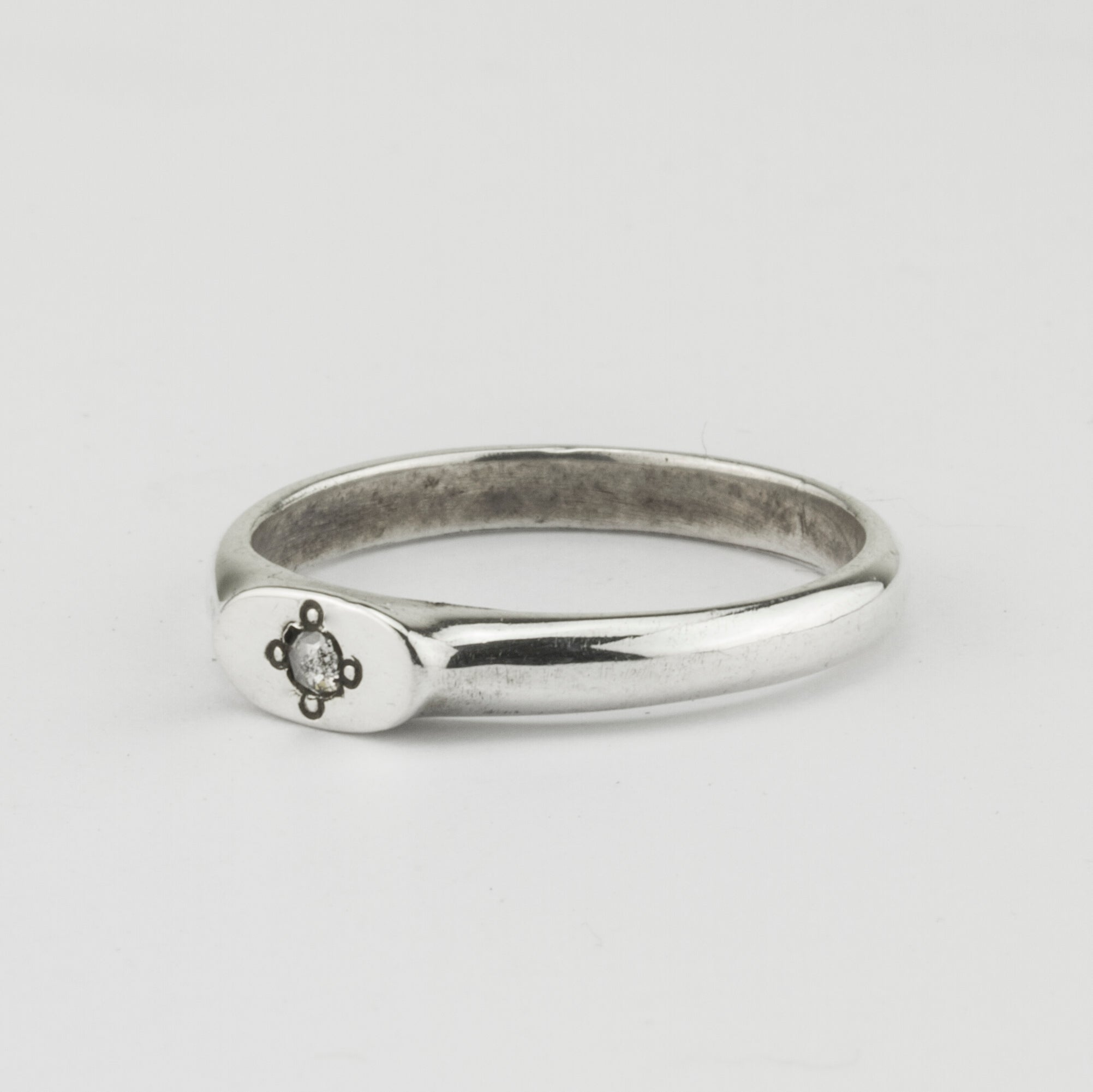 Fine Oval Grey Diamond Signet