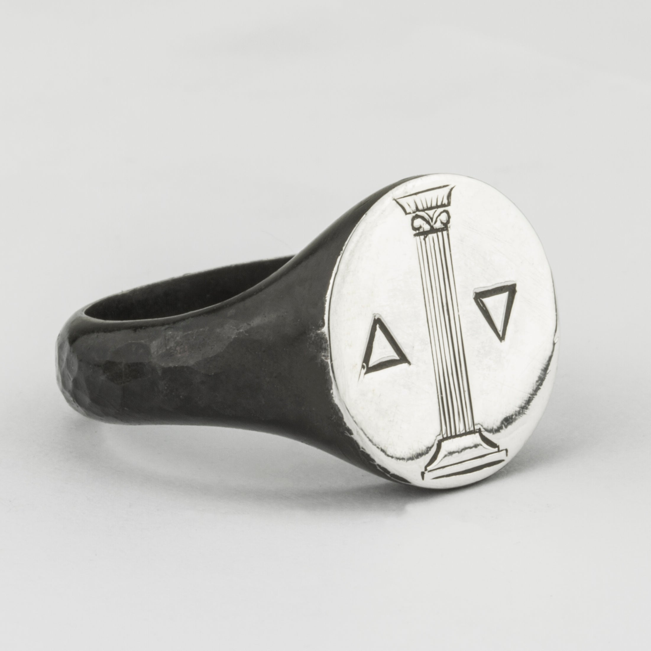 Middle Pillar Signet Ring
