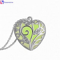 magical-tree-heart-pendant-necklace