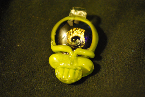 Lucky Glass Stealy Pendant Solid Green