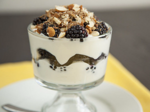 Blackberry Yogurt Parfait