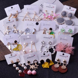 250 X Fashion Earrings in Assorted Styles.
