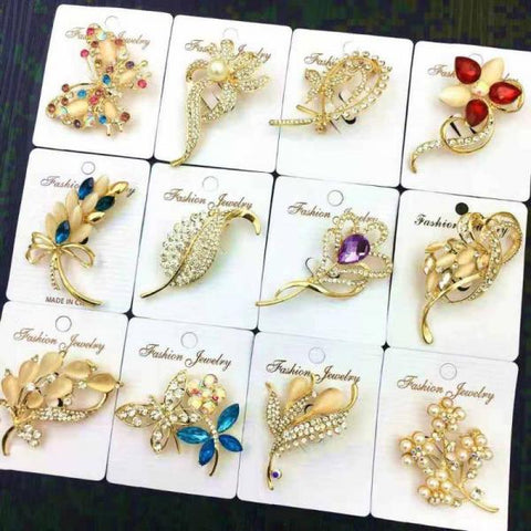200 X Wedding Brooch in Assorted Styles