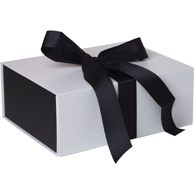 Jillson & Roberts Large Gift Box with Ribbon Tie, Sophisticate White Matte (12 Pcs)