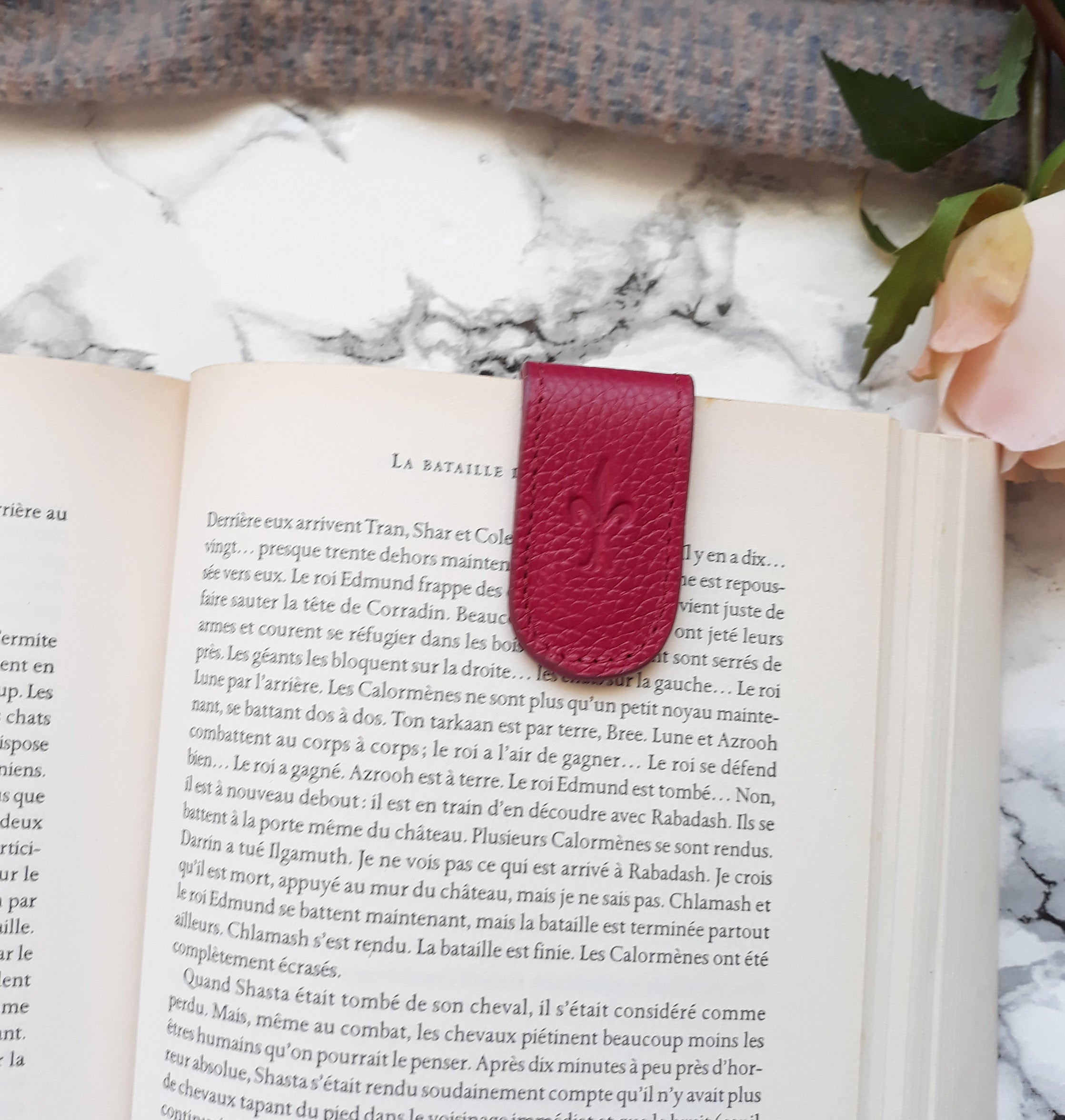 Dhalia magnetic bookmark