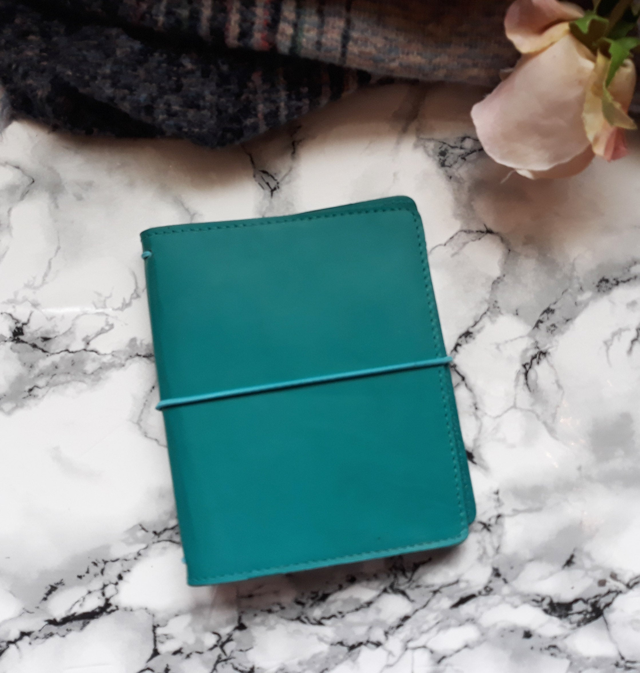 Pocket +/ Turquoise leather