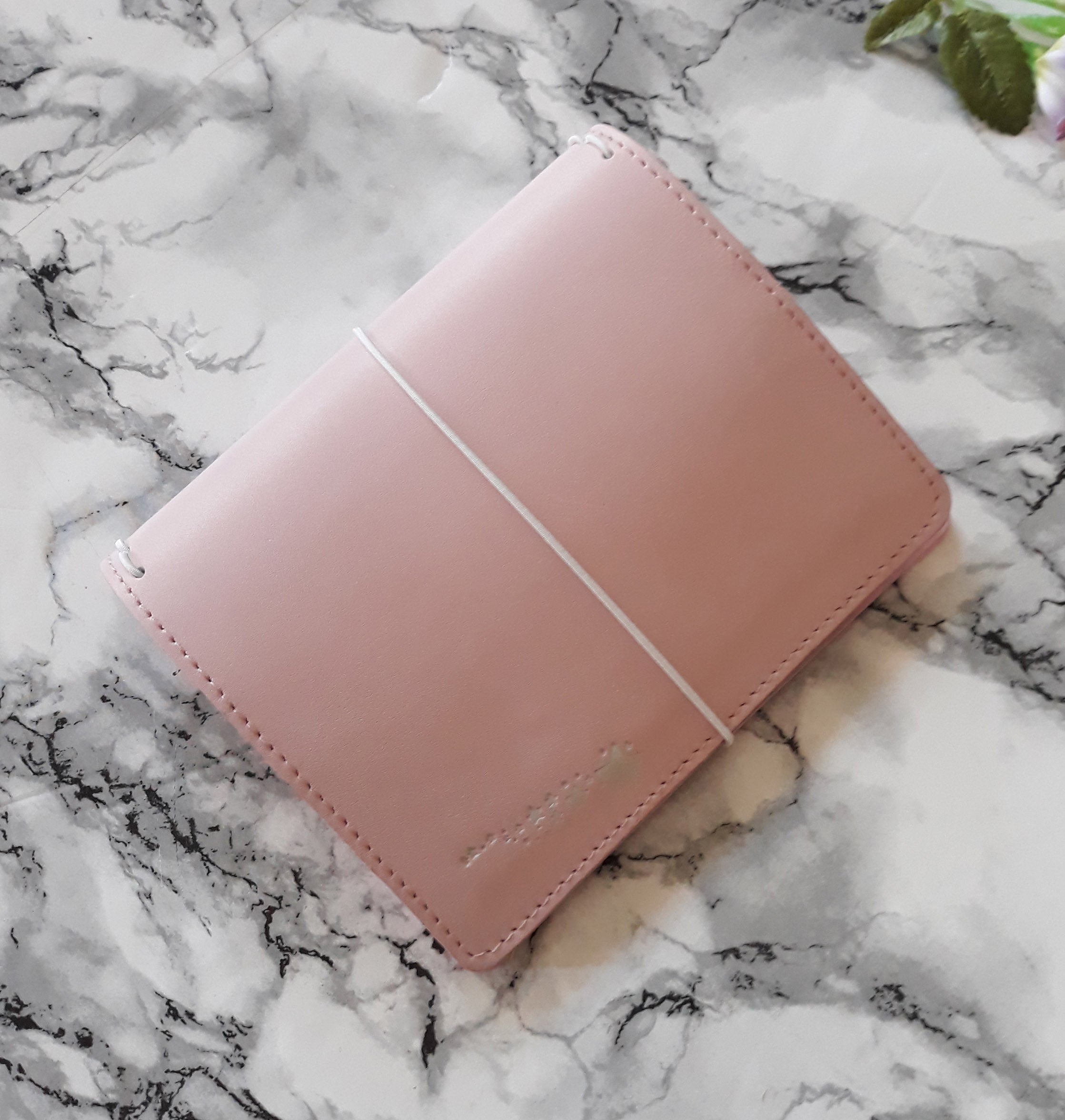 Pocket + - Strawberry Latte leather