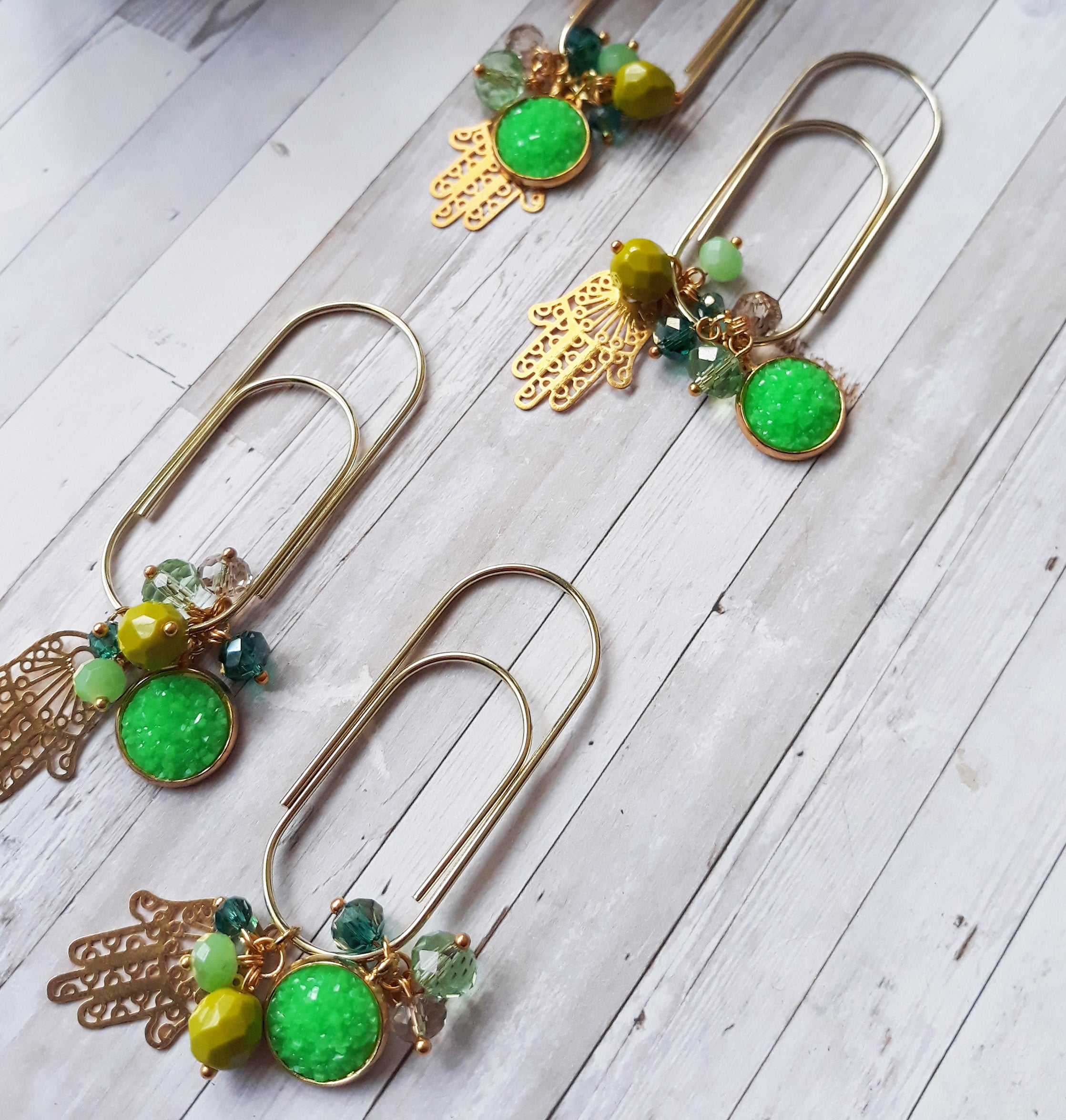 Pop Green Khomsa & druzy dangle gold clip