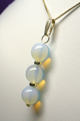 Opalescence Andara Crystal with Gold Pendant (3 x 10mm)