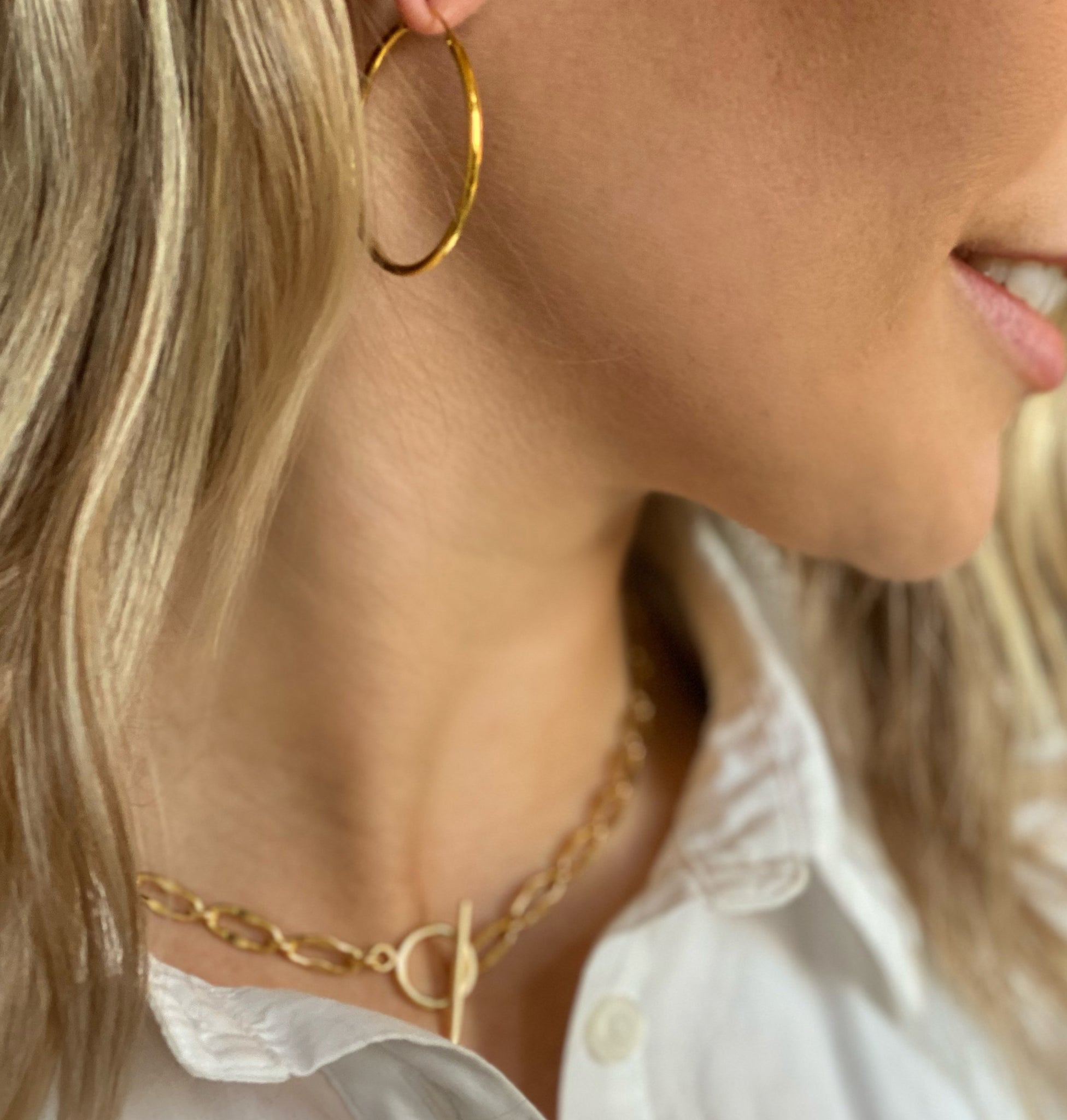 The Perfect Delicate Hoop in Gold