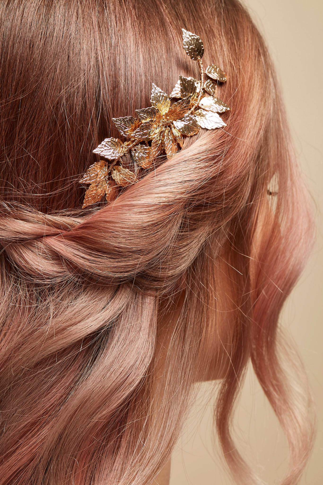 delicate gold leaf comb