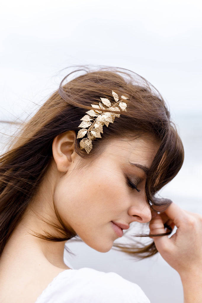 Wedding hair comb gold leaf design
