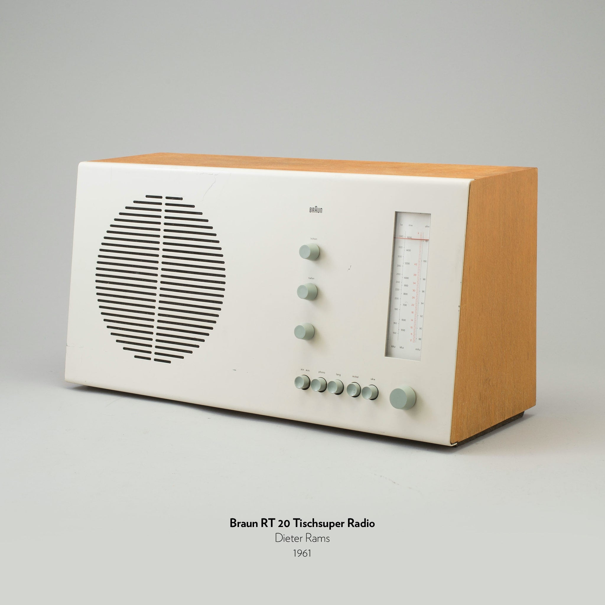 Braun RT 20 Tischsuper Radio designed by Dieter Rams in 1961.