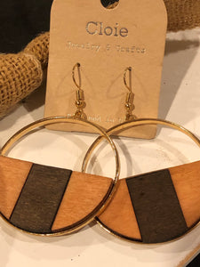 Wood-brown and black circle earrings.