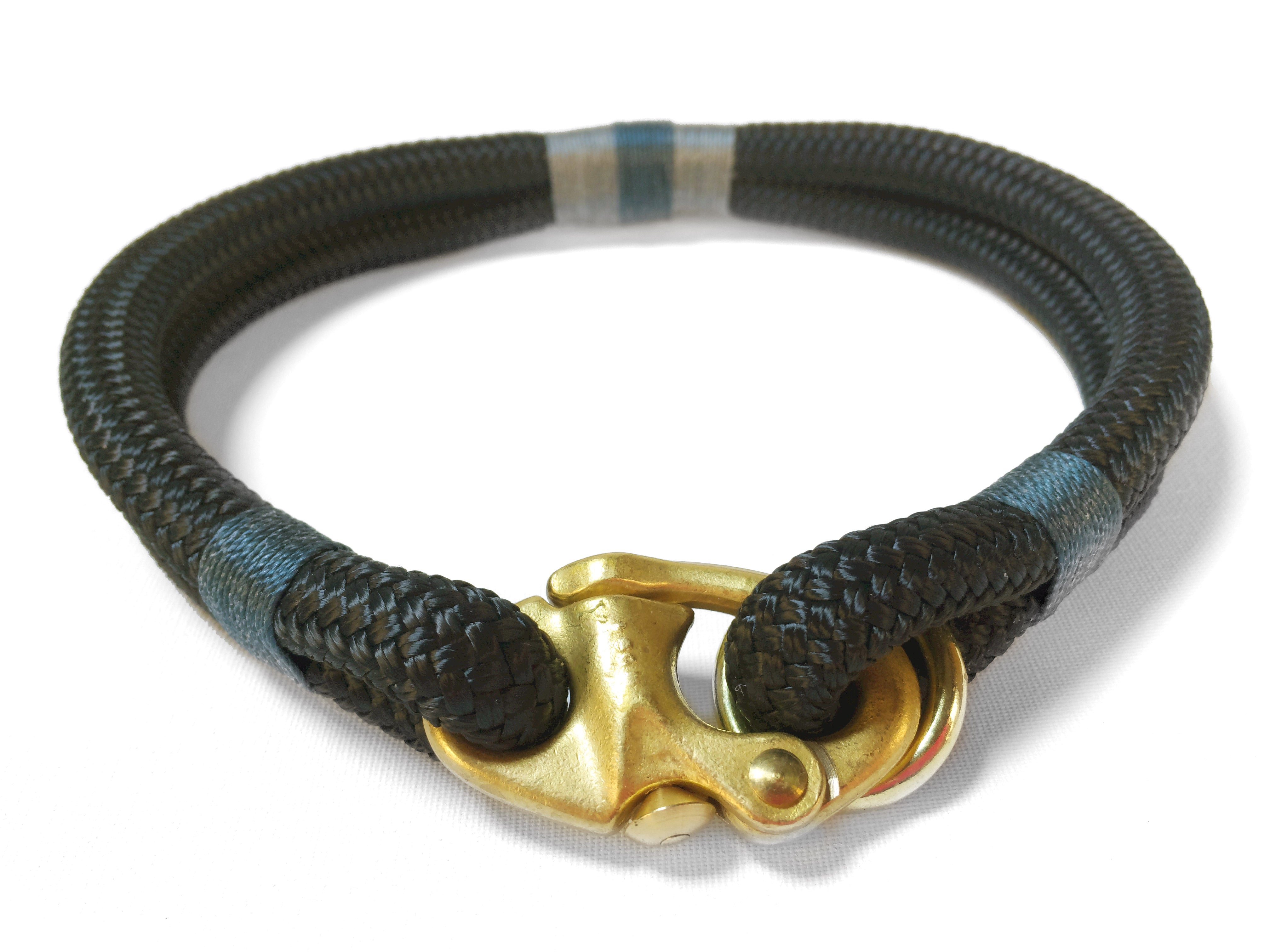 Stunning gold clasp on luxury dog collar.  Made by hand in the UK.  British crafted dog products