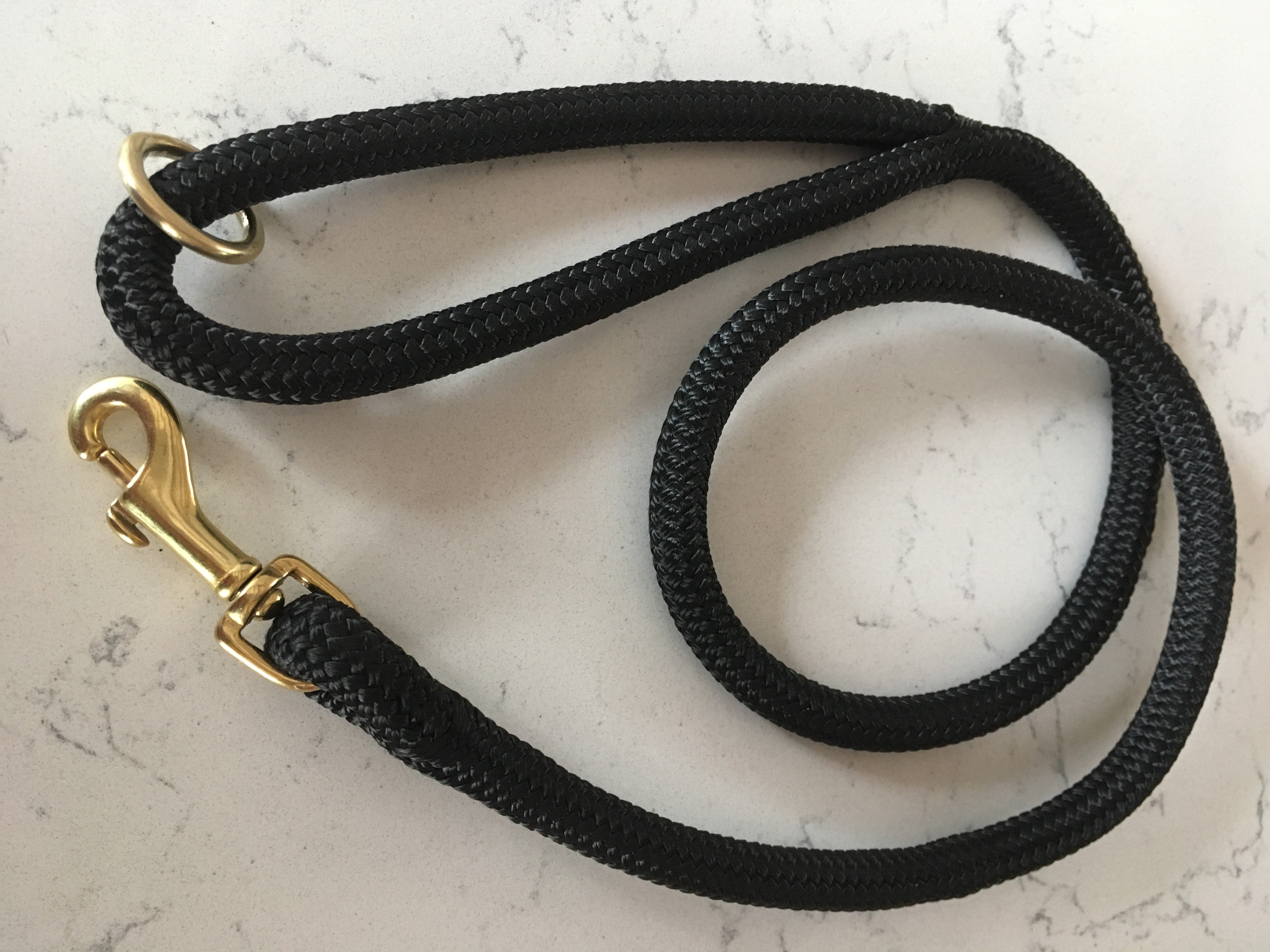 Slow fashion luxury black rope lead for spoint doggos with gold detail