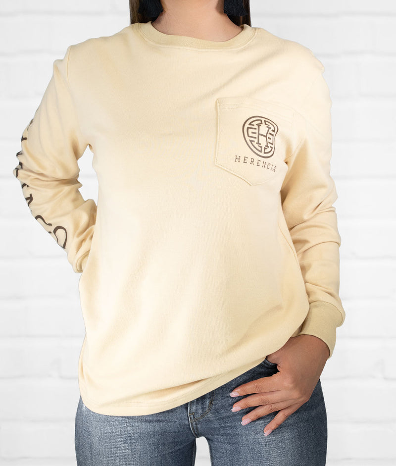 Botas Bien Puestas Long Sleeve Pocket Tee