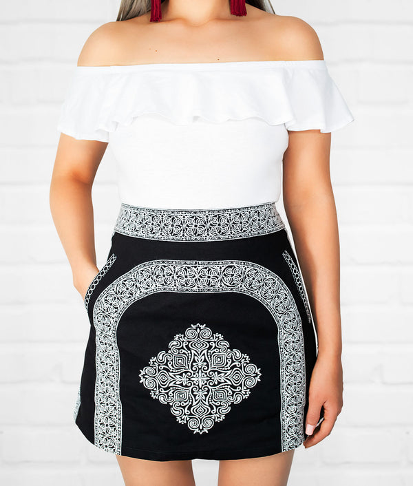 .Lupita Embroidered Skirt