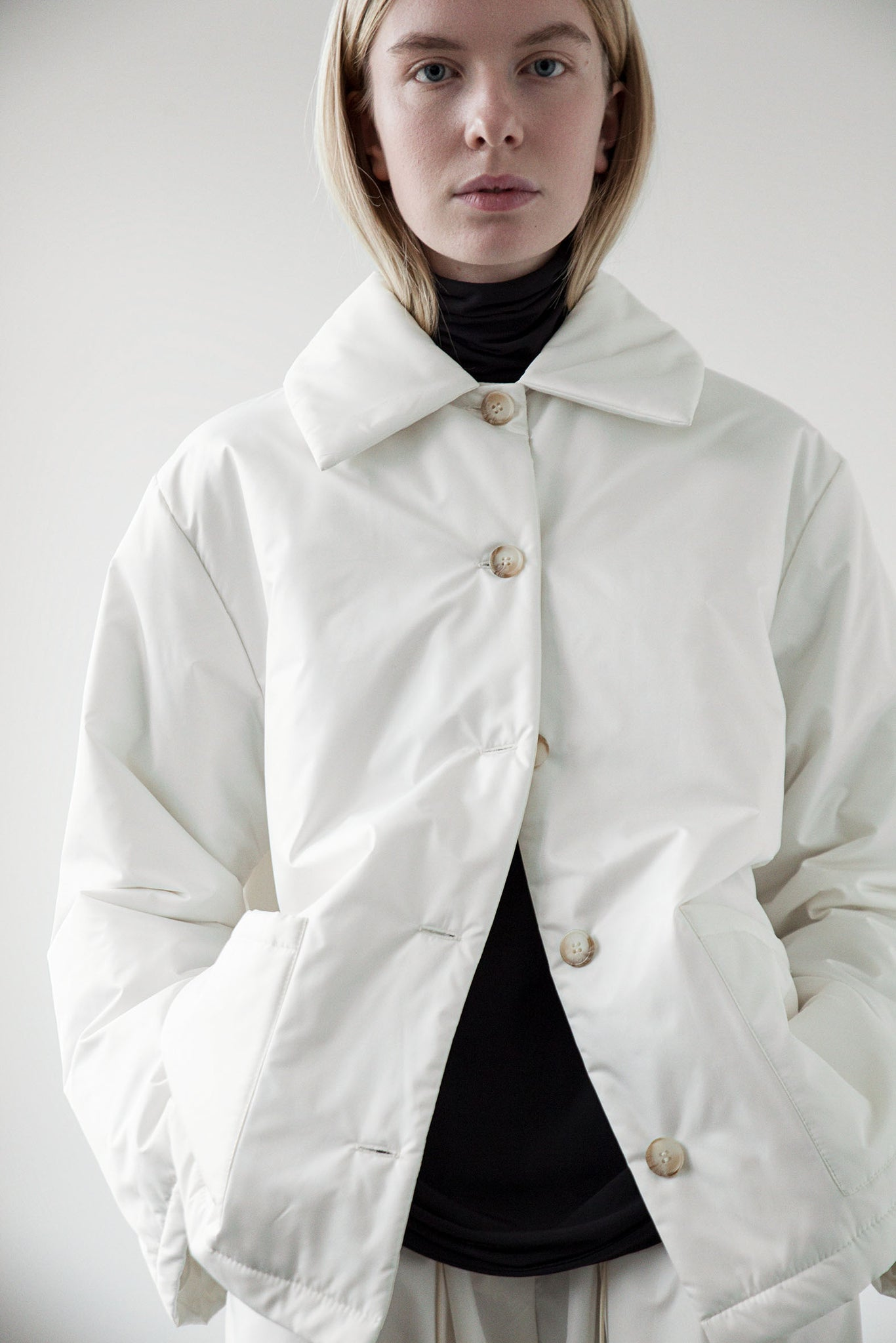 Lightweight button up jacket milk