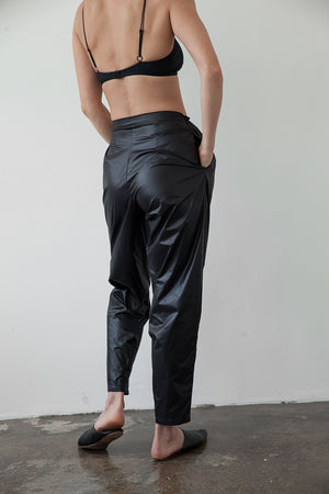 Banana pants black