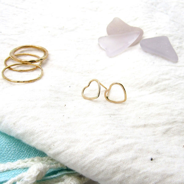 Dainty Heart | Gold Earrings