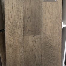 NAF ENGINEERED HARDWOOD Modern Grey