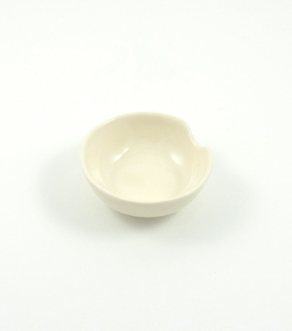 Delicate small porcelain ashtray.