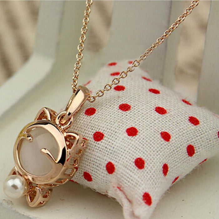 Cute and Adorable Lucky Cat Pendant Necklace-Boots N Bags Heaven