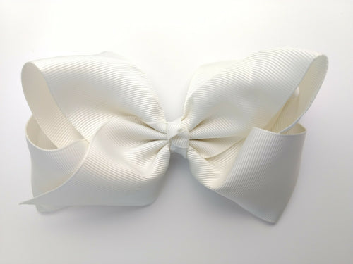 Daniela Boutique Bow- Cream