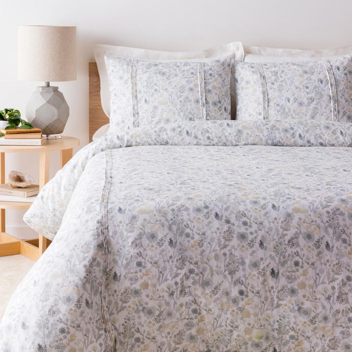 Aria Bedding-Bedding-Surya-Wall2Wall Furnishings