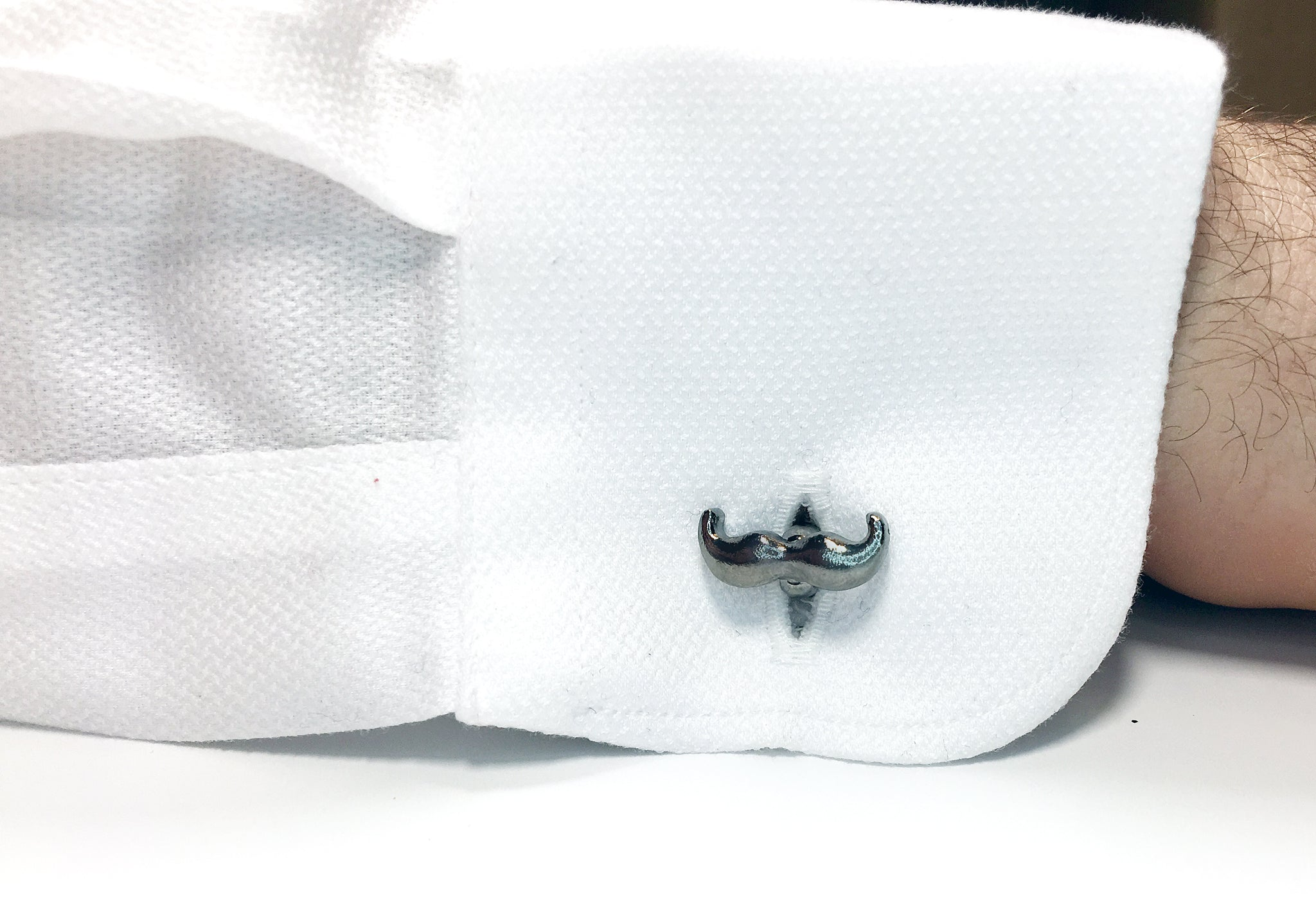 Silver plated, mustache cuff links | The Perfect Gentleman