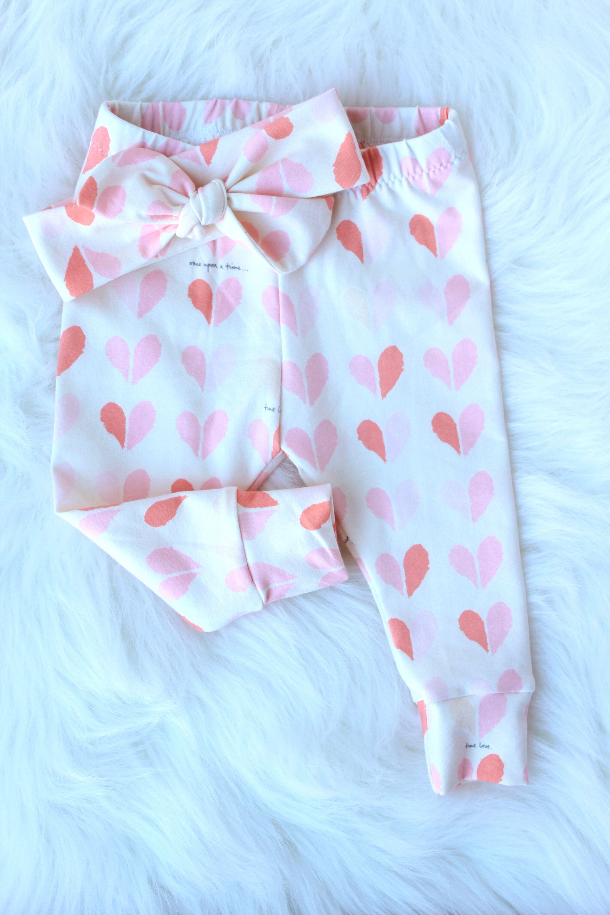 top knot headband and leggings with heart pattern