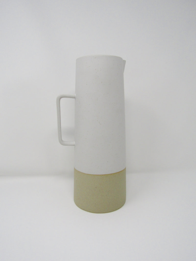 Morandi Pitcher, Medium