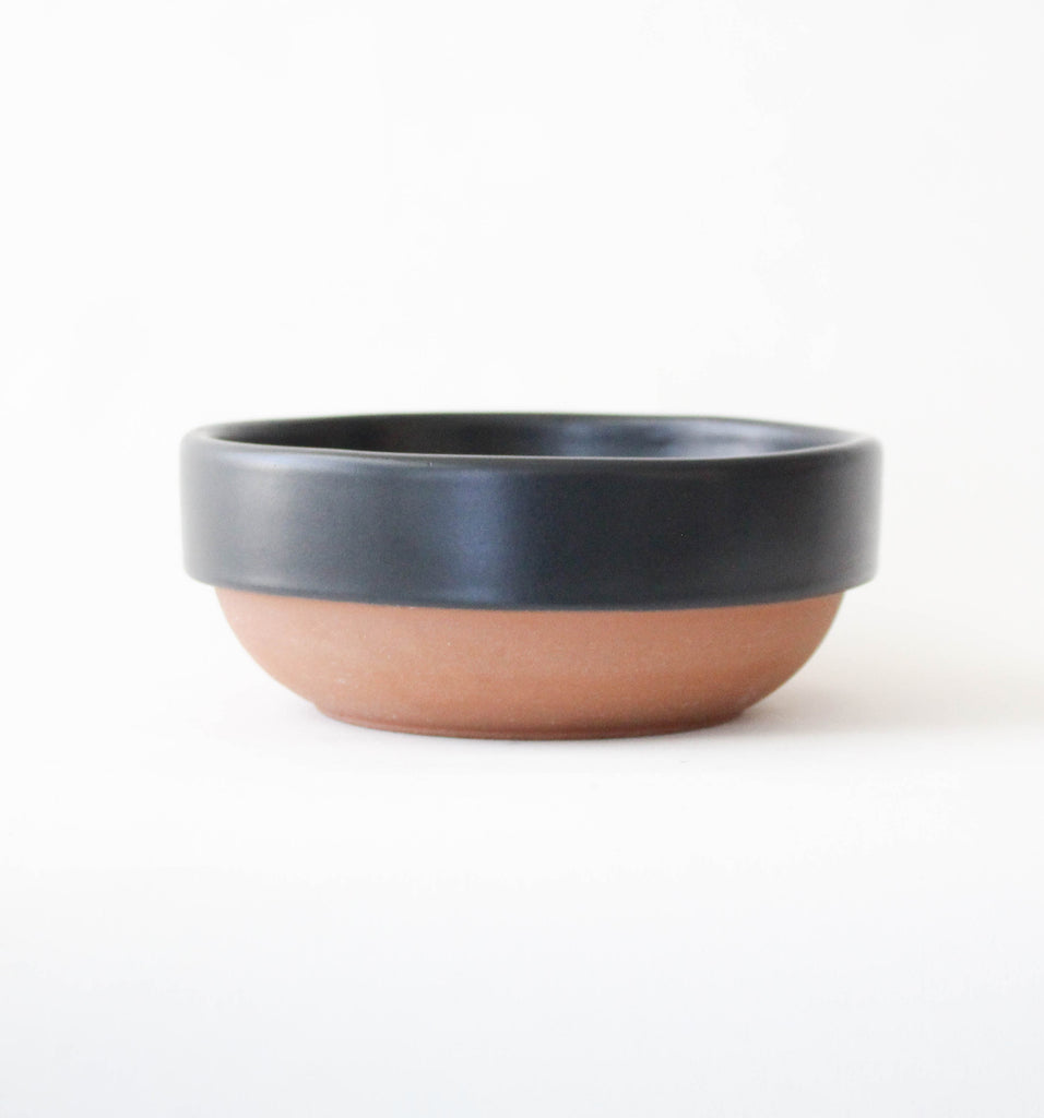 SERVING BOWL IN BLACK