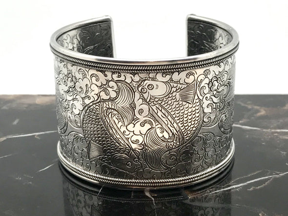 Twin Fish Cuff Bracelet silver - Large, view of the Twin Fish - BMT-LG