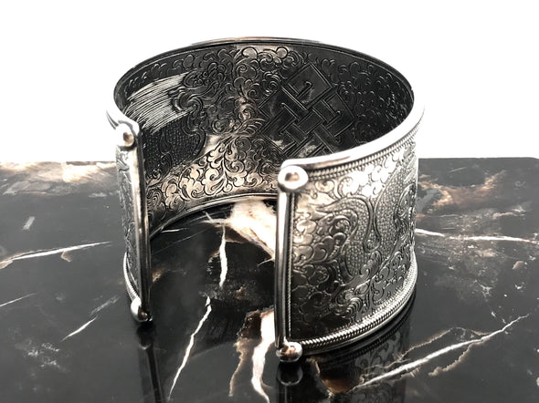 Twin Fish Cuff Bracelet silver - Large, interior design - BMT-LG